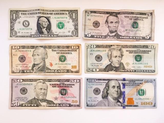100 ドル 日本 円