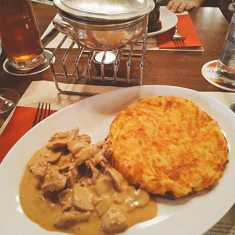 子牛薄切り肉のクリーム煮 | チューリッヒ在住Annalieseさんのおすすめ料理・食べ物