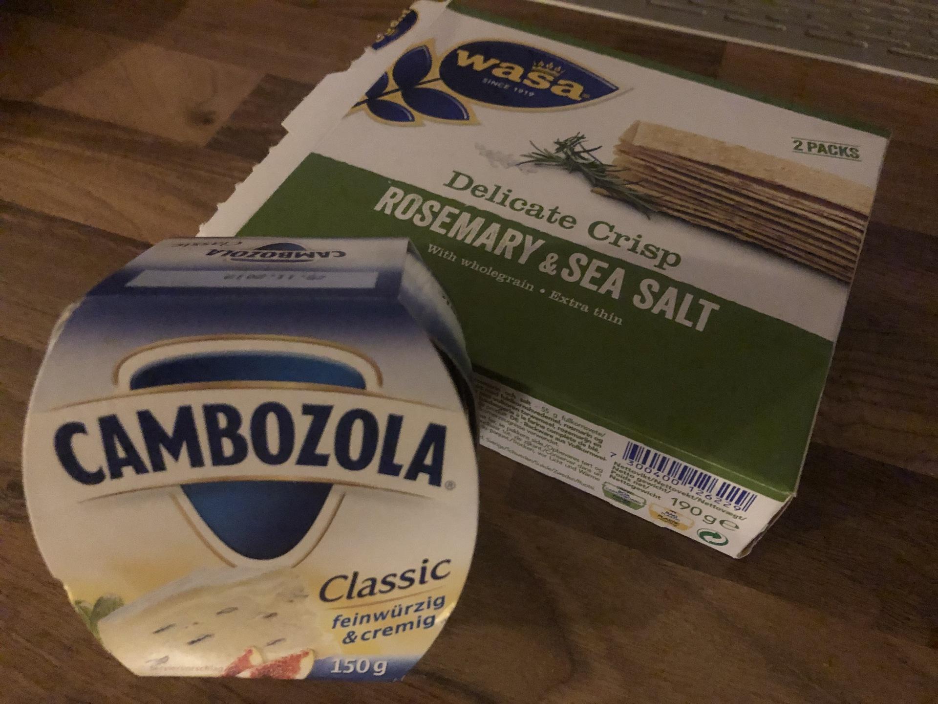 wasa クラッカー & カンボゾラチーズ | ミュンヘン在住ノリコさんのおすすめお土産