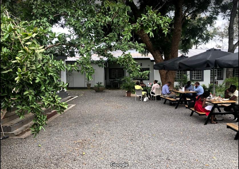 ラークカフェ | リロングウェ在住Aurelieさんのおすすめグルメ・食事スポット