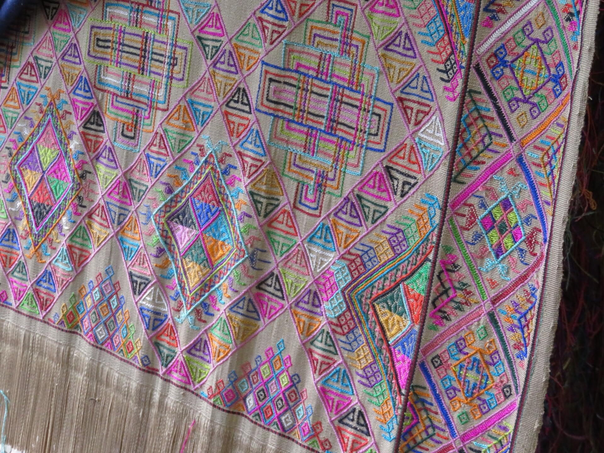 手織りの布 | ティンプー在住まさこさんのおすすめお土産