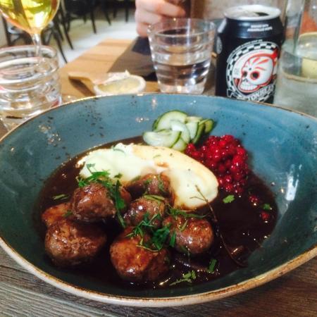 スウェディッシュミートボール | ストックホルム在住Yukaさんのおすすめ料理・食べ物