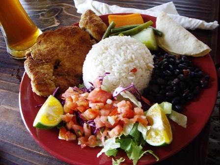 カサド(定食) | サンホセ(コスタリカ)在住スマイルさんのおすすめ料理・食べ物